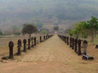 Rows of lingas at Vat Phou