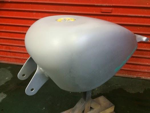 image - カスタムペイント工程 XL1200X タンク