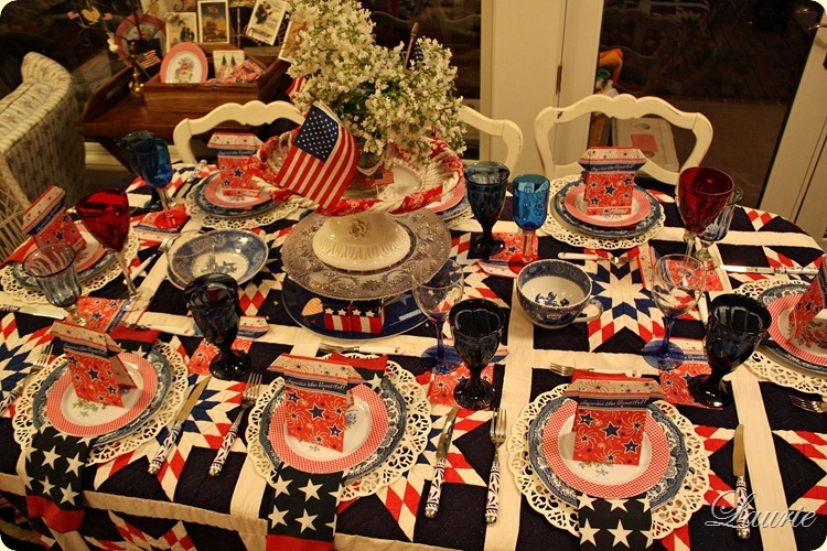 TABLE 4TH OF JULY 2
