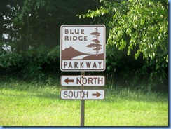 0846 North Carolina - Blue Ridge Parkway North sign