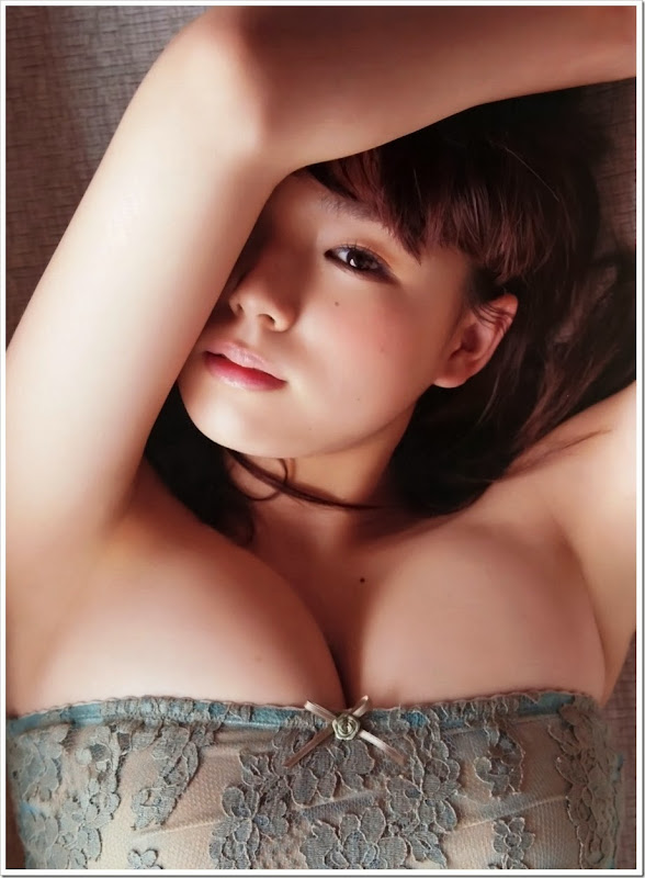 Shinozaki_Ai_FRIDAY_magazine_08