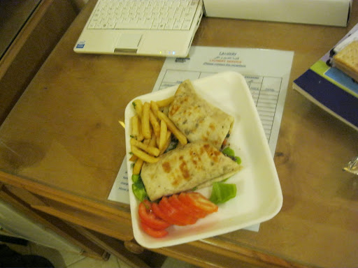 Awesome & cheap 'Beef sharwerma sandwhich' lunch in Dahab