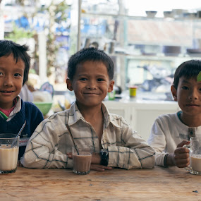 Purity smiles. by Minh Thiên - Babies & Children Children Candids ( highland, purity, vietnamese, children, smile )