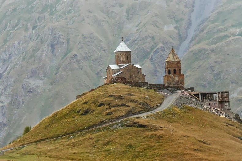 gergeti-trinity-church-13