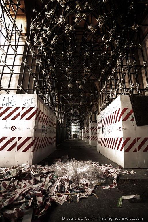 Aquila barrier tape and scaffolding corridor 2
