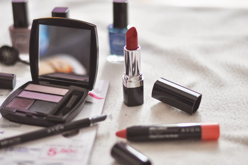 Rossetto avon, presentatrice avon, italian fashion bloggers, fashion bloggers, street style, zagufashion, valentina coco, i migliori fashion blogger italiani