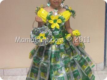 Vestido de Princesa hecho con Materiales Reciclados (Reciclaje)