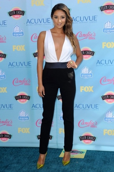 Shay Mitchell Arrivals Teen Choice Awards