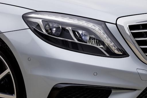 2014-Mercedes-Benz-S63-AMG-27.jpg