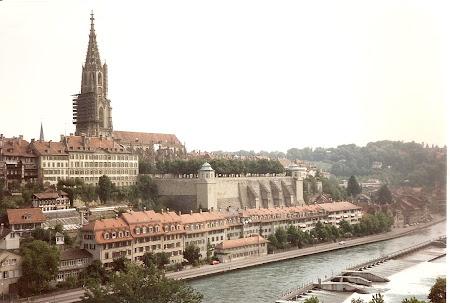 Ce vizitam la 20 ani: Catedrala din Berna.