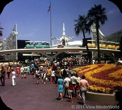View-Master Tomorrowland (A179), Scene 1-1: Entrance