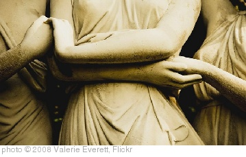'Holding hands' photo (c) 2008, Valerie Everett - license: http://creativecommons.org/licenses/by-sa/2.0/