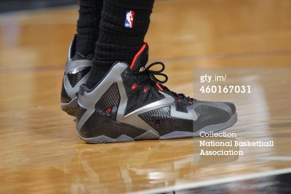 ... PE Spotlight Nike LeBron XI 8220Miami Nights8221 Carbon PE ... cceda445c