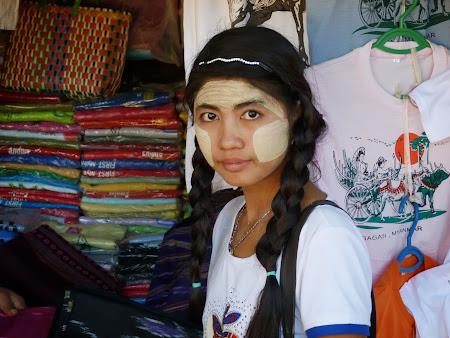 Birmaneza dezbracata