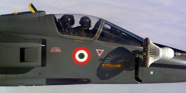Indian Air Force [IAF] Jaguar Fighter Aircraft perform Mid-Air Refuelling using its In-Flight Refuelling [IFR] probe