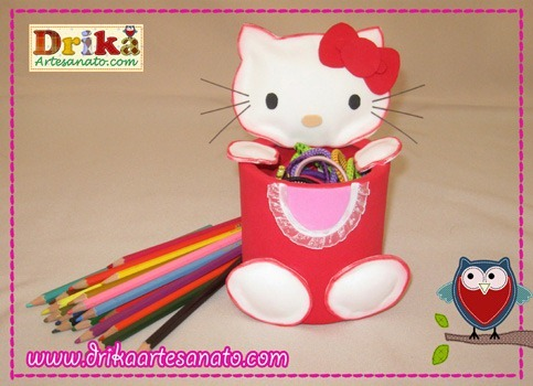 Hello-Kitty-com-lata-reciclada-destaque