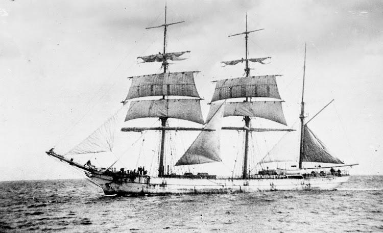 La barca TRONGATE en navegación. Lugar y fecha indeterminados. Brodie Collection, La Trobe Picture Collection, State Library of Victoria.jpg