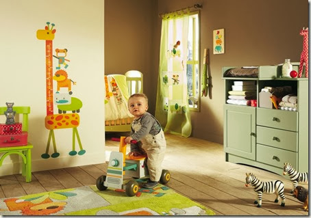 e357b__Baby-Nursery-Bedroom-Wall-Decoration-with-Giraffe-Removable-Wall-Stickers-Combined-by-Green-Furniture-Sets-and-Hardwood-Flooring