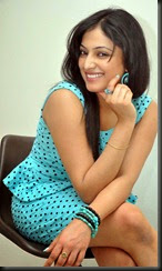 Haripriya_cute_still