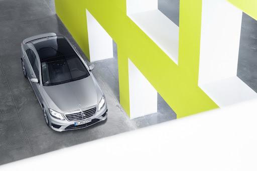 2014-Mercedes-Benz-S63-AMG-26.jpg