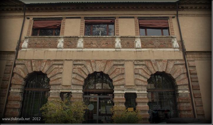Palazzina dei Bagni Ducali ( fronte 2 ), Ferrara, Emilia Romagna, Italia - Building of the Baths Ducali ( front 2 ), Ferrara, Emilia Romagna, Italy - Property and Copyrights of www.fedetails.net