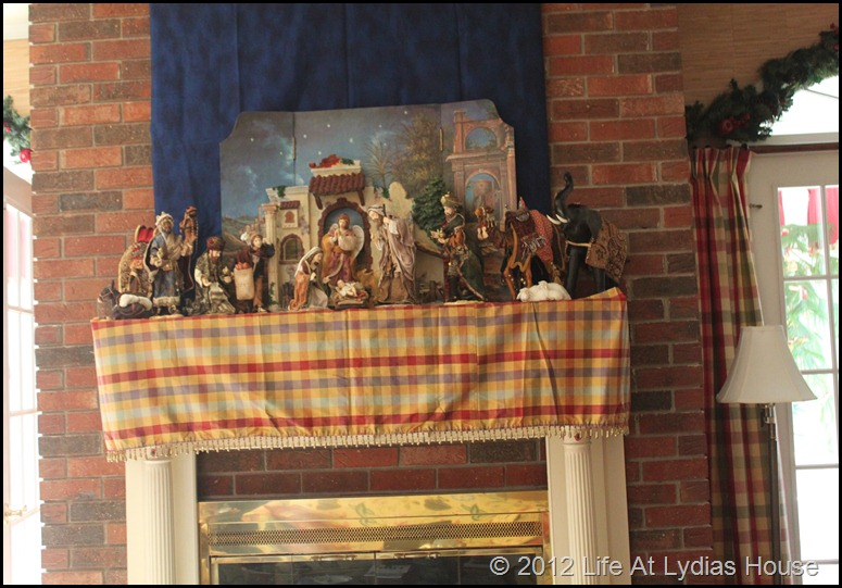 nativity mantle 2