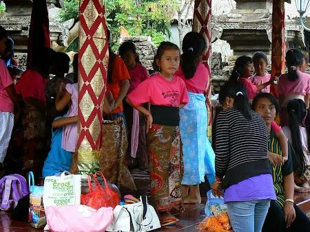 15. Fetite din Bali.JPG