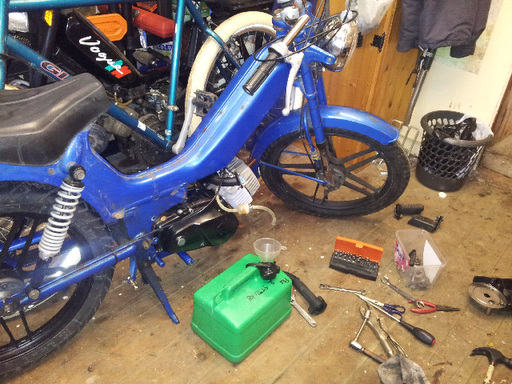 Mopeds at dawn: Tomos A3 engine swap (Part 1)