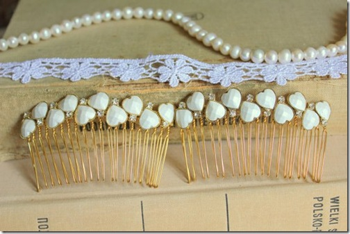 gold and white comb
