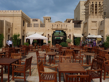 Shopping Dubai: Madinat Jumeirah mall