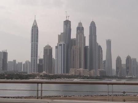 Dubai Marina vazuta de pe Palm