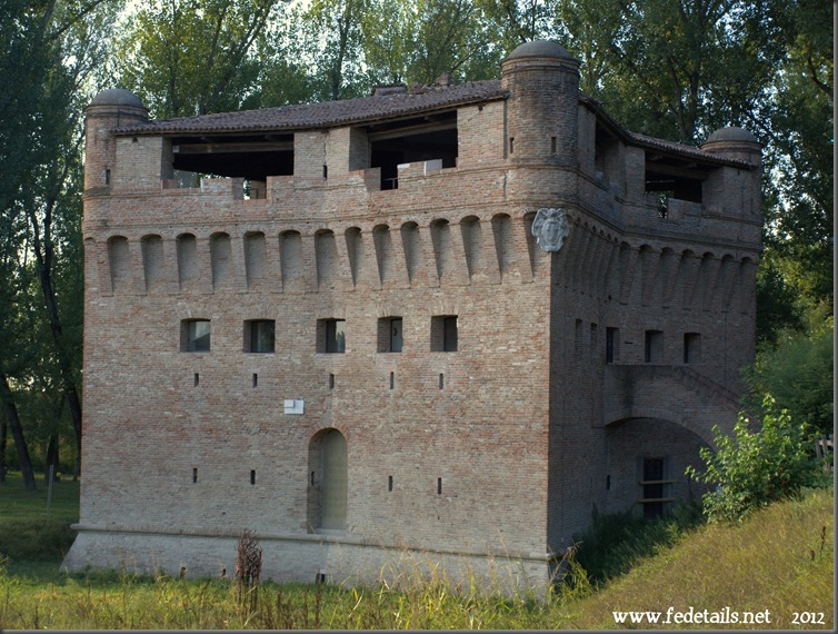 Rocca Possente di Stellata 2, Bondeno, Ferrara, Italia - Mighty fortress of Stellata 2, Bondeno, Ferrara, Italy - Property an Copyright www.fedetails.net
