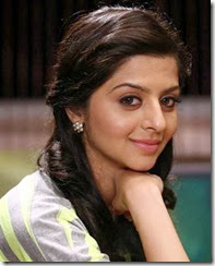 vedhika_cute_photo