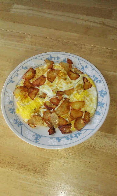 Fried Egg with Diced or Sliced Potatoes