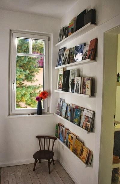 fr ulein otten beim aufr umen. Black Bedroom Furniture Sets. Home Design Ideas