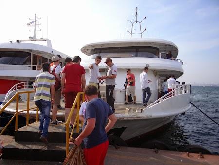 39. Imbarcare in Buyukada.JPG