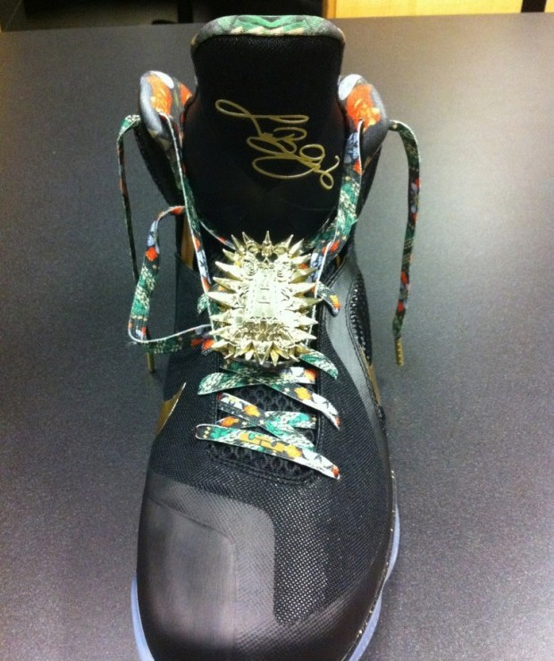 76d53e6f808 ... Nike LeBron 9 8220Watch the Throne8221 James amp JayZ amp Kanye West ...