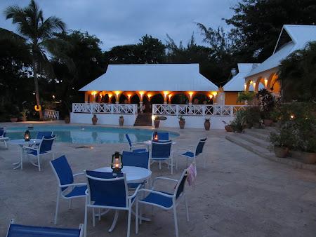 31. hotel Smugglers Cove.jpg