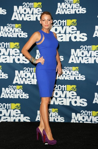 Blake Lively poses in the press room during the 2011 MTV Movie Awards