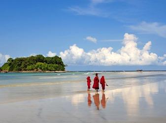 ngwe_saung_beach