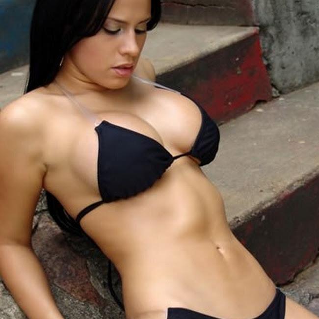 Andrea Rincon Bikini Negro CaliEsCali Foto 5