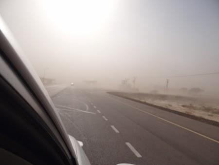 23. Furtuna de nisip in desert.JPG
