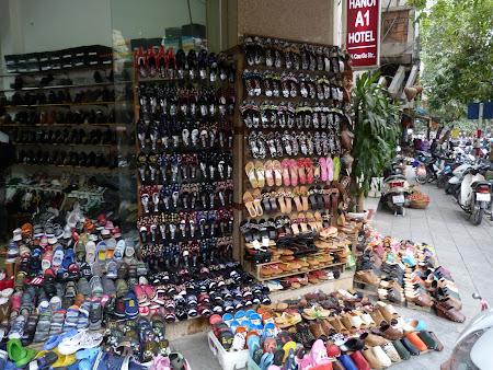 Shopping Vietnam: Magazin de pantofi Hanoi
