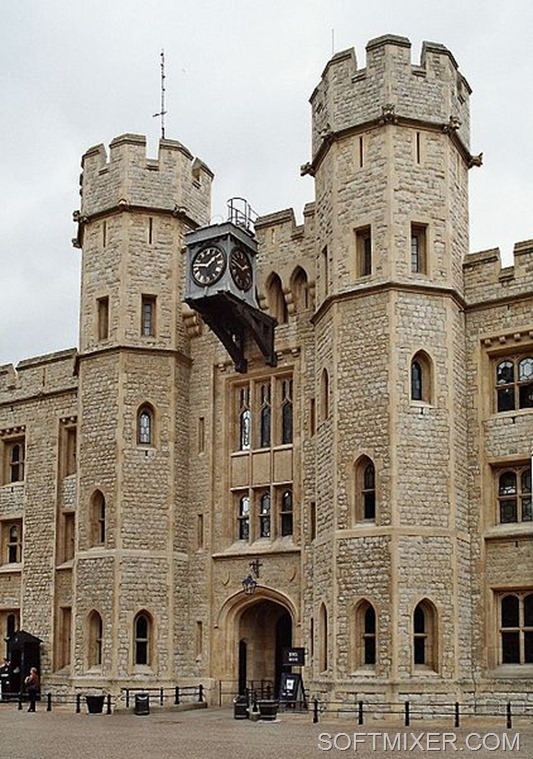 422px-London_tower_jewel_house_2005-05