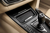 New BMW 3 Series: Center console Luxury Line (10/2011)