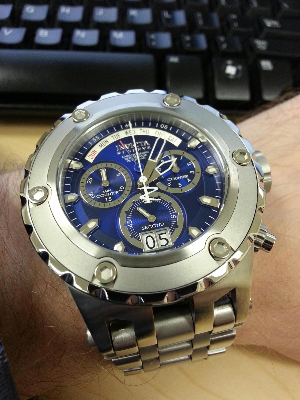 В случае если вы желаете купить подлинные швейцарские мужские или женские часы invicta, правильнее будет это сделать на нашем официальном сайте livening-russia.ru, гарантировав для себя защиту от покупки липовых подделок и мошенников.