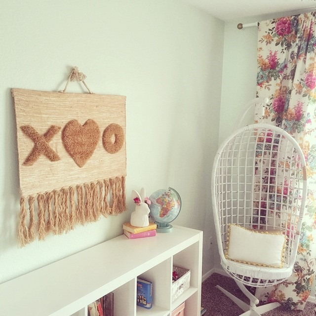 thriftscorethursday linnyjanevintage xo wall hanging