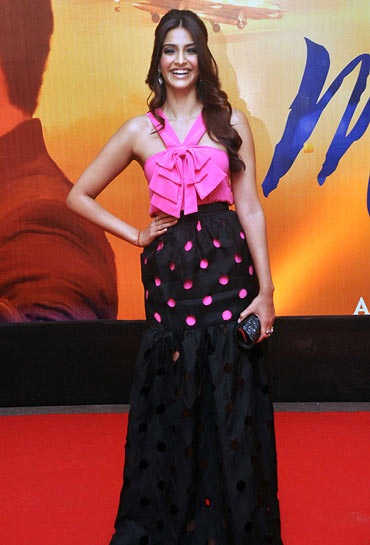 "Sonam Kapoor attended the ""Mausam"" Premiere"