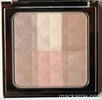 c_BrighteningNudesBrighteningFinishingPowderBobbiBrown6
