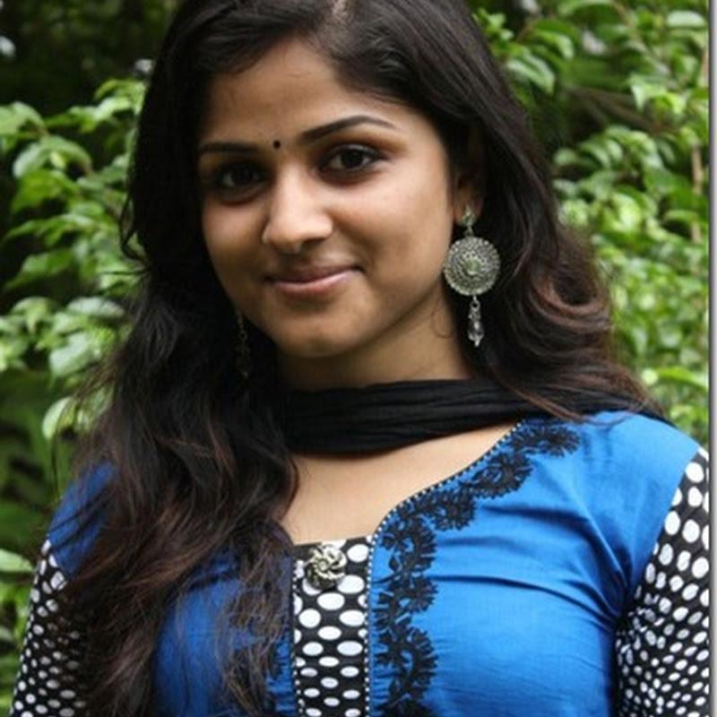 South Indian Heroine Piya Bajpai Cute Stills